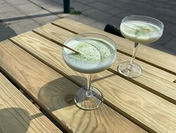 verde-tini  matcha, vanilla, cream, white chocolate liquor + vodka