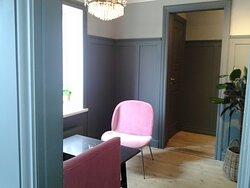 Ett av fikarummen på Trosa Tre små rum cafe