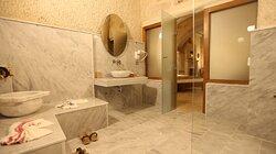 Satürn Banyo