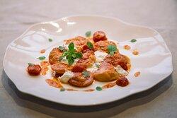 Ravioli faits à la main, à la tomate