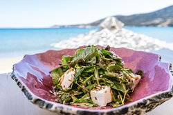 Green salad with green apple, ksinomizithra, honey dressing