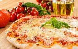 Le nostre pizze vengono realizzate con farine 100% ITALIANE ed hanno almeno 72h di lievitazione