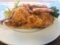 Pollo ahumado asado.