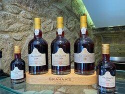 Também temos à disposição uma vasta variedade dos melhores vinhos do Porto!