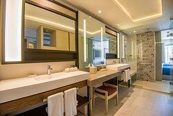 Junior Suite Double Bathroom