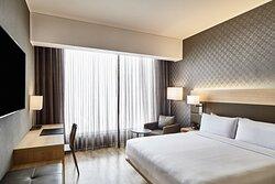 King Deluxe Guest Room - Oceanfront