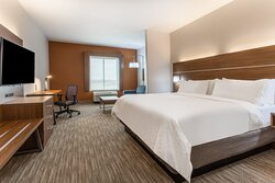 Spacious 1 King Bed Suite