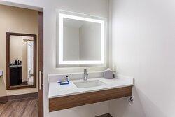 Queen Suite Hearing Accessible Bathroom