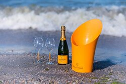 Premium breeze with Veuve Clicquot! Join us at the seaside!
