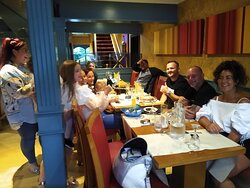 Here we have a table of a lovely family, celebrating their birthday at the Bengal Brasserie. We loved having you guys this evening! I hope you all had a fantastic time and I hope you enjoyed our meals and service. All the best!
