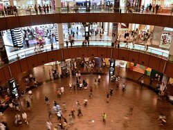 biggest mall in dubai theres a lot of restaurant and shops which you can choose