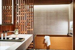 NOBU Umi Suite bathroo HIGH