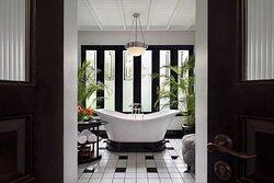 TheSiam SiamSuite Bath
