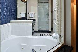 2nd & 3rd Floor Suite - Bathroom