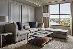 Lake-View One-Bedroom Suite Parlor.tif