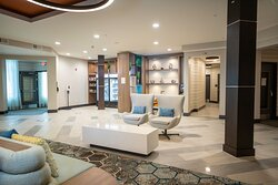 Holiday Inn Creve Coeur Guest Sitting Area in Lobby