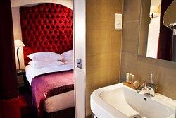 636664 Guest Room