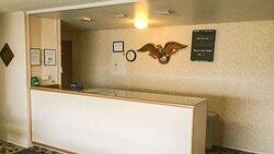 MH AlmaMotel Alma MI Property Lobby