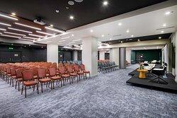 Artashat Ballroom, 327 sqm with theatre set up