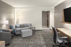 Queen/Queen Inline Suite - Living Area