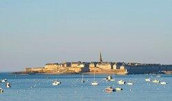 Saint Malo à 40 minutes de l'Hôtel Ermitage - Mont Saint-Michel