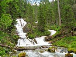 Cascate che si incontrano sulla via per la cascata superiore