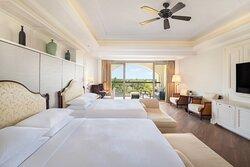 Twin/Twin Deluxe Ocean View Guest Room