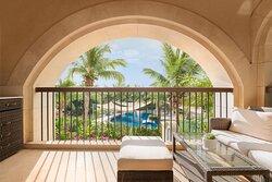 Deluxe Two-Bedroom Suite Garden View-Balcony