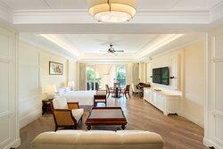 Deluxe Two-Bedroom Suite Garden View-Bedroom