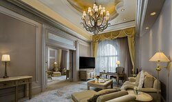 Emirates Palace Palace Suite Coral Lounge