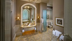 Emirates Palace Palace Suite Pearl Bathroom