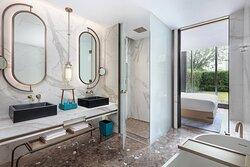 Garden Suite Bathroom