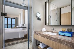 Superior Seaview Guest Bathroom