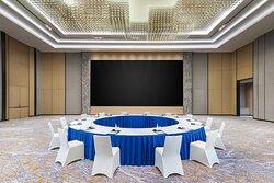 Grand Ballroom - Round Table Meeting Setup