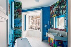 Grand Gallery Bathroom