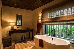 Bathroom - Beach Pool Villa Bathroom Frederik Wissink For Zannier Hotels