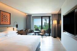 King Deluxe Ocean View with Balcony