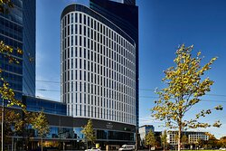 Welcome to centrally located Holiday Inn Express Warsaw The HUB