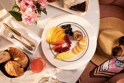 Mistinguett - Breakfast Room