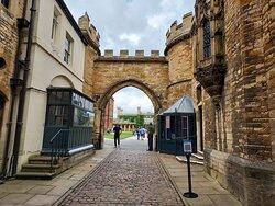 Main Entrance Gate to Lincoln Castle (04/Jul/21).