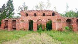 Аракчеевские казармы. Церковь возле манежа. Вход в церковь из манежа.
