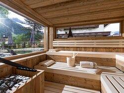 Finnische Sauna in der urigen Sauna-Hütte im Apartments Rsoenhof in Mayrhofen