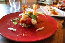 Quinoa sauce thaï, gambas rôties et chorizo