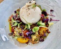 Burrata m. tomat & pesto