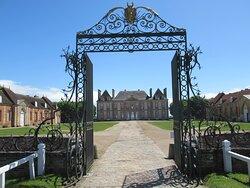grille d'honneur, cour d'honneur et château