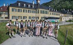 ISARTALER Sommerreise Isartaler Musiker übernachten in der Pop-Up Lodge Wildbad Kreuth.