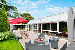 Terrasse, jardin, grand parking