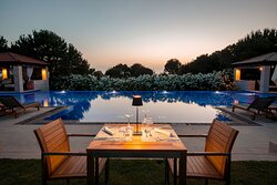 Outdoor Pool Bar Private Dining