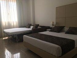 612089 Guest Room
