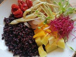 Riso nero e verdure